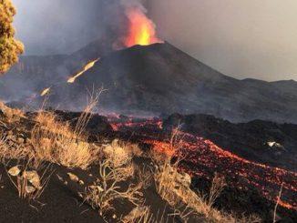 tsunami lava volcán